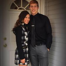 Meet Leighton Vander Esch girlfriend Madalynn Tucker (Bio, Wiki)